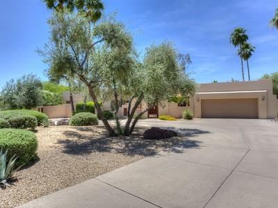 Villa for sales at Relaxing Charmer in Pinnacle Peak Country Club 22832 N Country Club Trail Scottsdale, Arizona 85255 Stati Uniti