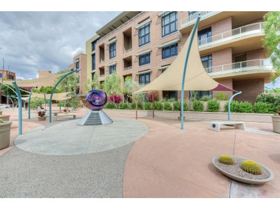 Condominio for sales at Exceptional Loft Style Condominium Located In The Heart Of Old Town Scottsdale 7301 E 3rd Ave #319  Scottsdale, Arizona 85251 Estados Unidos