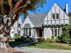 Casa para uma família for  sales at Classic Crocker Highlands 1008 Trestle Glen Road Oakland, Califórnia 94610 Estados Unidos