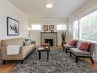 獨棟家庭住宅 for  sales at Sunny Classic Bungalow 889 53rd Street   Oakland, 加利福尼亞州 94608 美國