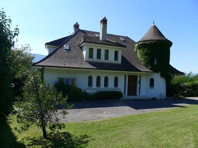 Vivienda unifamiliar for sales at Superbe propriété avec vue lac  Talloires, Ródano-Alpes 74290 Francia