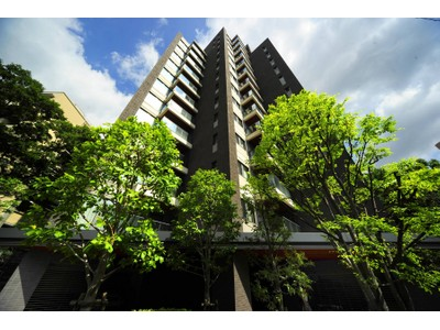 Apartment for sales at Grand Hills Ichibancho Chiyoda-Ku, Tokyo Japan