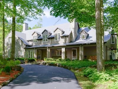 Casa para uma família for sales at MacArthur Estate 8220 MacArthur Drive Milton, Ontario L0P1B0 Canadá