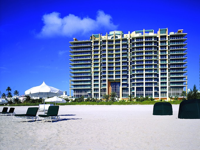Condominio for sales at Il Villaggio 809 1455 Ocean Drive 809 Miami Beach, Florida 33139 Stati Uniti