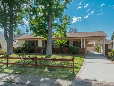Maison unifamiliale for sales at 5509 Vantage Ave   Valley Village, Californie 91607 États-Unis