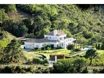 Moradia for sales at Delightful villa situated in La Zagaleta    Benahavis, Costa Del Sol 29679 Espanha