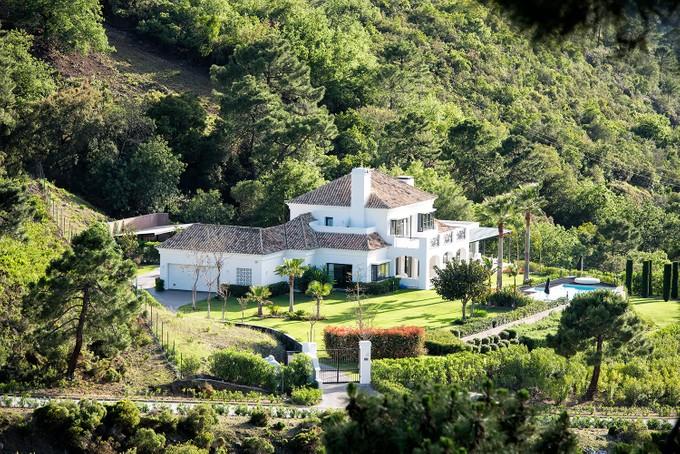 Casa para uma família for sales at Delightful villa situated in La Zagaleta  Benahavis, Costa Del Sol 29679 Espanha
