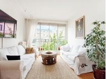 Apartamento for sales at Pied à Terre - Place des Etats Unis    Paris, Paris 75016 Francia