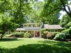 Casa Unifamiliar for sales at Immaculate Split Level 1996 Winding Brook Way  Scotch Plains, Nueva Jersey 07076 Estados Unidos