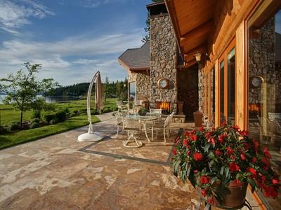 Частный односемейный дом for sales at Estate Home on Neechan Bay 7209 S EDDYVILLE RD Harrison, Айдахо 83833 Соединенные Штаты
