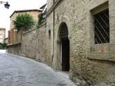 Appartamento for vendita at Appartamento nel centro storico di Bevagna in Palazzo storico  Perugia,  06031 Italy