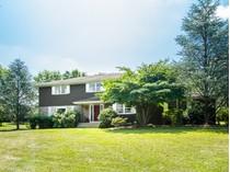 獨棟家庭住宅 for sales at Spacious And Traditional - Franklin Township 909 Canal Road   Princeton, 新澤西州 08540 美國