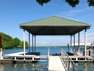 Terrain for sales at Rare Waterfront Point Lot 5714 Soutlake Court Oakwood, Georgia 30566 États-Unis