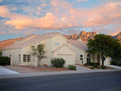 獨棟家庭住宅 for sales at Heavenly Views From This Great Home In Catalina Shadows In Oro Valley 11720 N Labyrinth Drive Tucson, 亞利桑那州 85737 美國