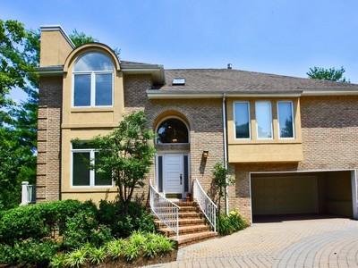 Casa para uma família for sales at 21 Castle Pines Ct.   Holmdel, Nova Jersey 07733 Estados Unidos