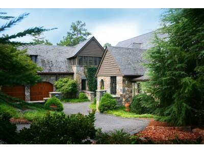 獨棟家庭住宅 for sales at Quite Simply - The Best 124 Wood Sage Court  Sunset, 南卡羅來納州 29685 美國