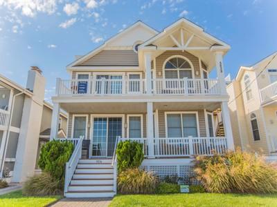 Condomínio for sales at 5838 Central Ave 5838 Central Ave 2nd Floor  Ocean City, Nova Jersey 08226 Estados Unidos