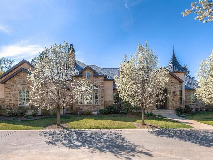 独户住宅 for sales at European-Style Estate 6176 S Verness Cove Holladay, 犹他州 84121 美国