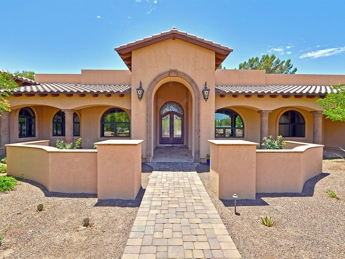 Single Family Home for sales at Smartly Designed And Wonderfully Finished Paradise Valley Home 5101 E Berneil Drive Paradise Valley, Arizona 85253 United States