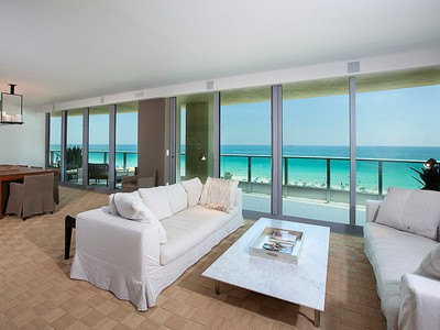共管式独立产权公寓 for sales at Il Villaggio 808 1455 Ocean Drive 808 Miami Beach, Florida 33139 United States