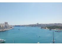 Apartamento for sales at Luxury Brand New Seafront Penthouse Sliema, Sliema Valletta Surroundings Malta