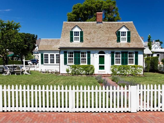 Moradia for sales at Classic Cape Cod 82 Commercial Street  Provincetown, Massachusetts 02657 Estados Unidos