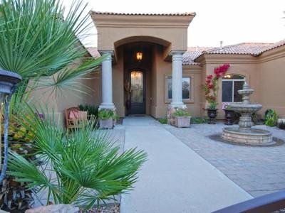 独户住宅 for sales at Gorgeous Estate in Northeast Mesa Community of Val Vista Groves 3914 E Omega Circle Mesa, 亚利桑那州 85215 美国