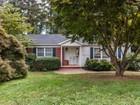 Casa Unifamiliar for sales at 1210 Canterbury 1210 Canterbury Rd Raleigh, Carolina Del Norte 27608 Estados Unidos