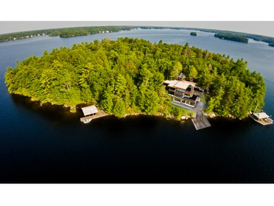 Частный односемейный дом for sales at 11 Acres Of Quality, Elegance and Privacy Bass Island  Muskoka, Онтарио P0C1A0 Канада