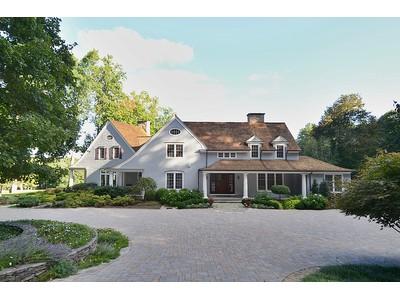 Частный односемейный дом for sales at Chip Shot To The Green 10 Humble Lane Weston, Коннектикут 06883 Соединенные Штаты