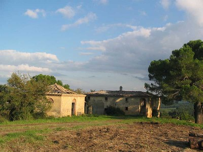 Maison unifamiliale for sales at Farmhouse with panoramic views of Val D'Orcia countryside Buonconvento  Siena, Siena 53022 Italie