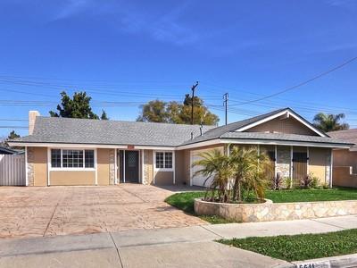Vivienda unifamiliar for sales at 5611 Castle Drive  Huntington Beach, California 92649 Estados Unidos
