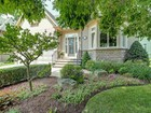 Moradia for  sales at Enchanting Bungalow with Loft 39 Holyrood Avenue Oakville, Ontario L6K2V4 Canadá