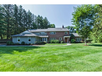 Vivienda unifamiliar for sales at Craftsman Details And Modern Comforts 268 Edgerstoune Road Princeton, New Jersey 08540 United States