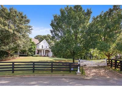 Villa for sales at Southern Living Estate 800 Cooper Sandy Cove  Alpharetta, Georgia 30004 Stati Uniti