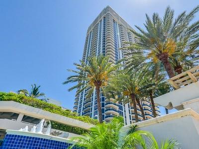 Condominium for sales at BLUE DIAMOND CONDO 4779 Collins Ave TS4405 Miami Beach, Florida 33140 United States