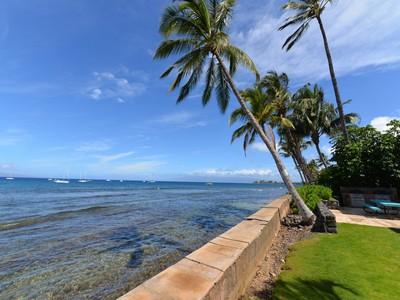 Condominium for sales at Rare Oceanfront Offering at Lahaina Roads Condominium 1403 Front St Lahaina Roads #408 Lahaina, Hawaii 96761 United States