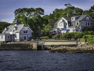 Maison unifamiliale for sales at 11 Crown Way  Marblehead, Massachusetts 01945 États-Unis