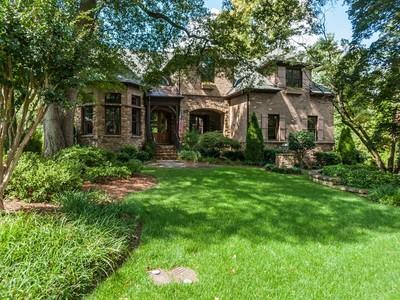 단독 가정 주택 for sales at Drewry Hills Masterpiece 423 Marlowe Road Raleigh, 노스캐놀라이나 27609 미국