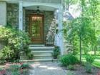 단독 가정 주택 for  sales at Packed With The Design Elements Buyers Want Now 302 Charles Terrace Skillman, 뉴저지 08558 미국