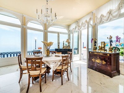 Appartement for sales at Exclusive waterfront apartment in Sorrento Via Luigi di Maio Sorrento, Naples 80067 Italie