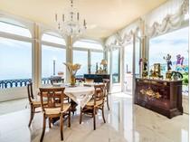 Apartamento for sales at Exclusive waterfront apartment in Sorrento Via Luigi di Maio Sorrento, Naples 80067 Itália