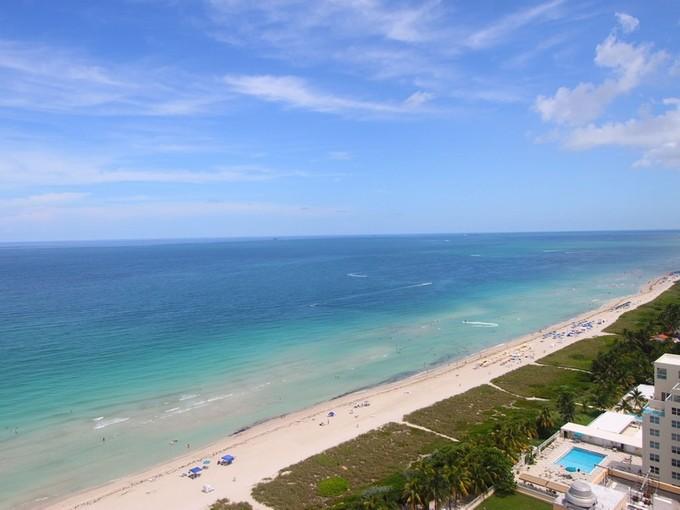 Condomínio for sales at Capobella 5025 Collins Ave 2308  Miami Beach, Florida 33140 Estados Unidos
