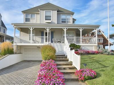 Vivienda unifamiliar for sales at Rare Sea Girt Offering! 1 Beacon Boulevard Sea Girt, Nueva Jersey 08750 Estados Unidos
