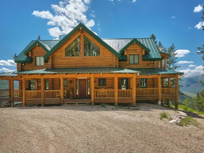 Single Family Home for  at Stunning newer log home on 20 acres at top of Thousand Peaks Ranch 13713 E Weber Canyon Rd Oakley, Utah 84055 United States