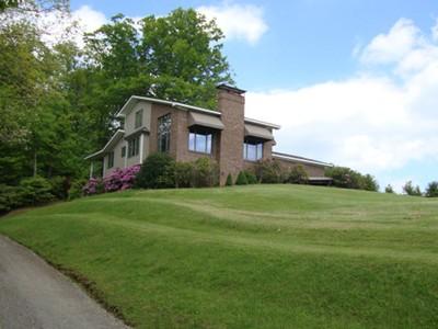 Casa para uma família for sales at Christmas Everyday  Glendale Springs, Carolina Do Norte 28629 Estados Unidos