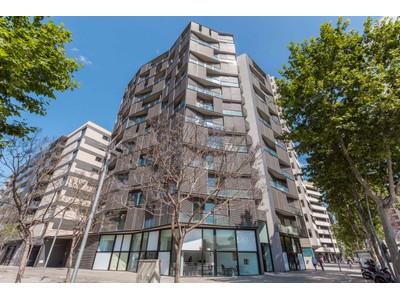 Apartment for sales at Ático dúplex amueblado en venta con vistas formidables a la ciudad y al mar Barcelona City, Barcelona Spain