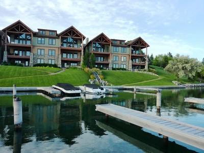 Condominio for sales at River Landing 602 6th Street W Unit 303 Polson, Montana 59860 Stati Uniti