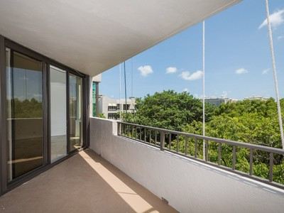 Copropriété for sales at Key Colony 181 Crandon Blvd #404 Key Biscayne, Florida 33149 États-Unis