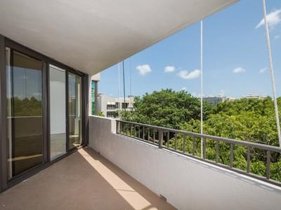 Condomínio for sales at Key Colony 181 Crandon Blvd #404 Key Biscayne, Florida 33149 Estados Unidos